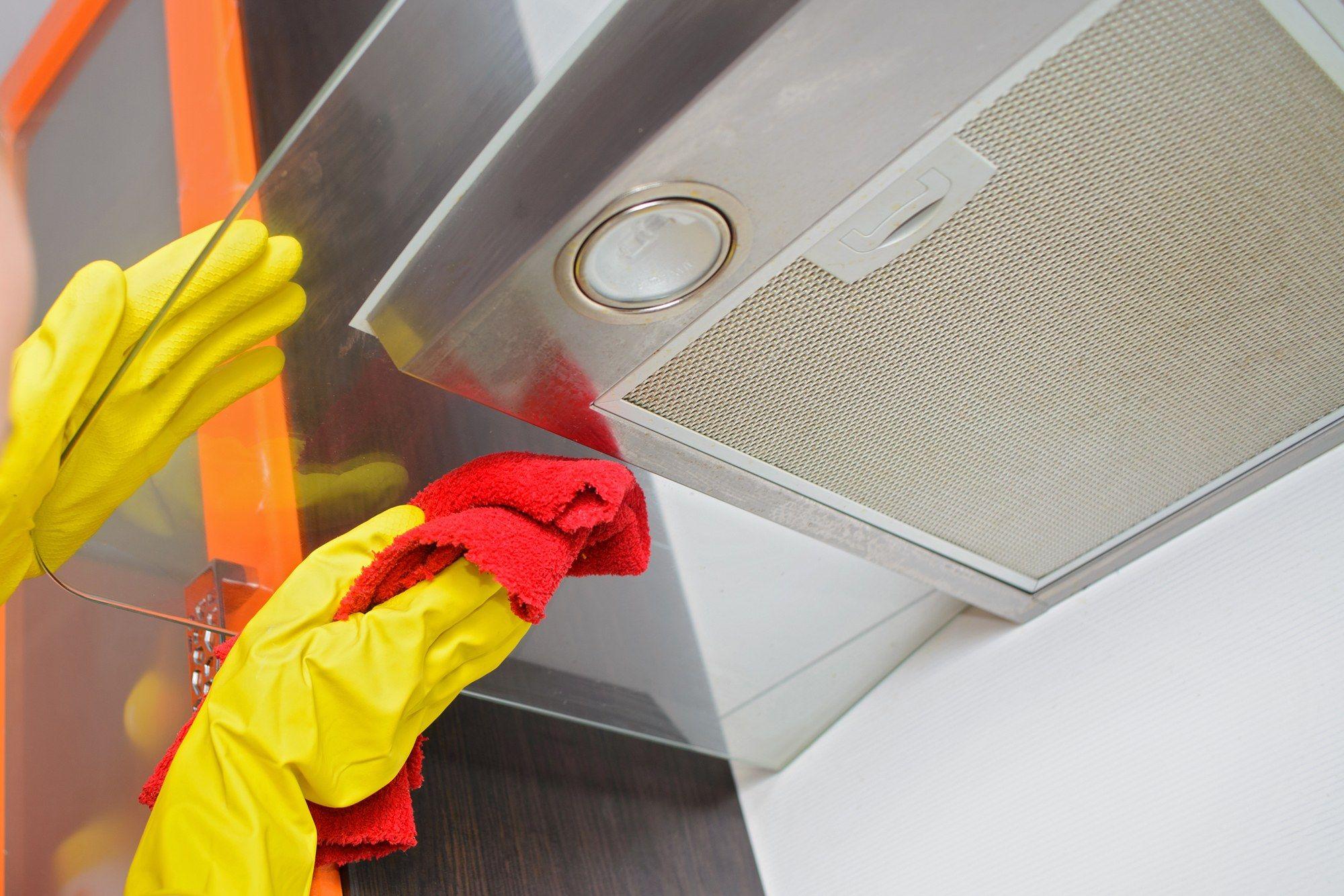 تمیز کردن هود آشپزخانه با شوینده