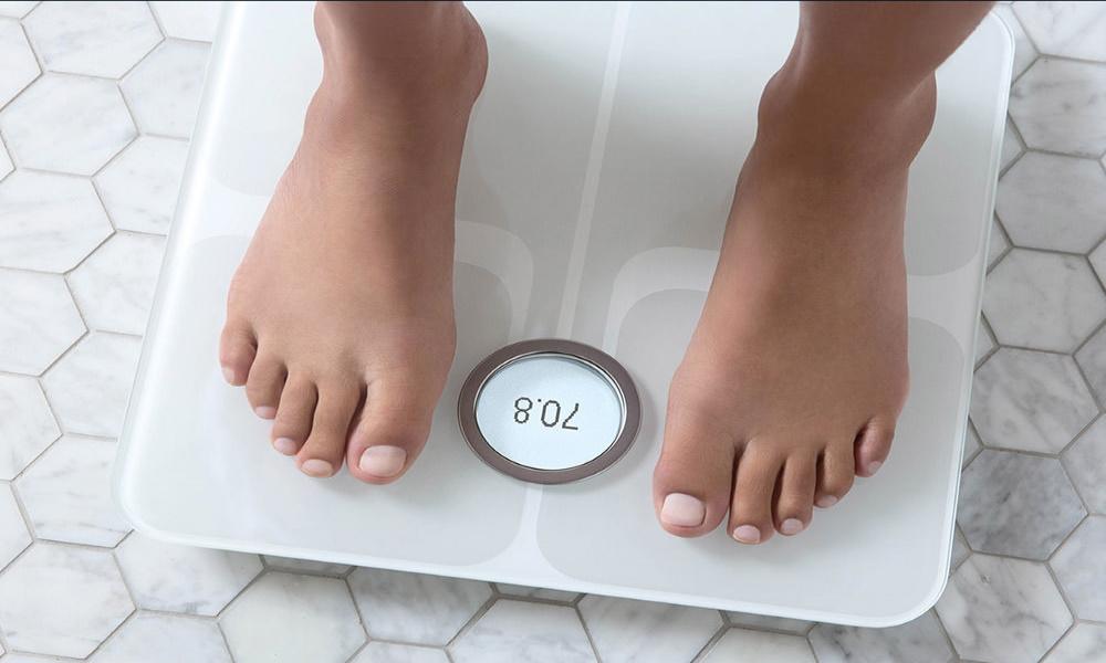 تصویر وزنه هوشمند Fitbit Aria