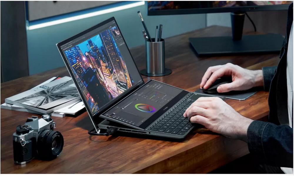 تصویر لپ تاپهای زن بوک برند ایسوس در نمایشگاه CES سال 2021