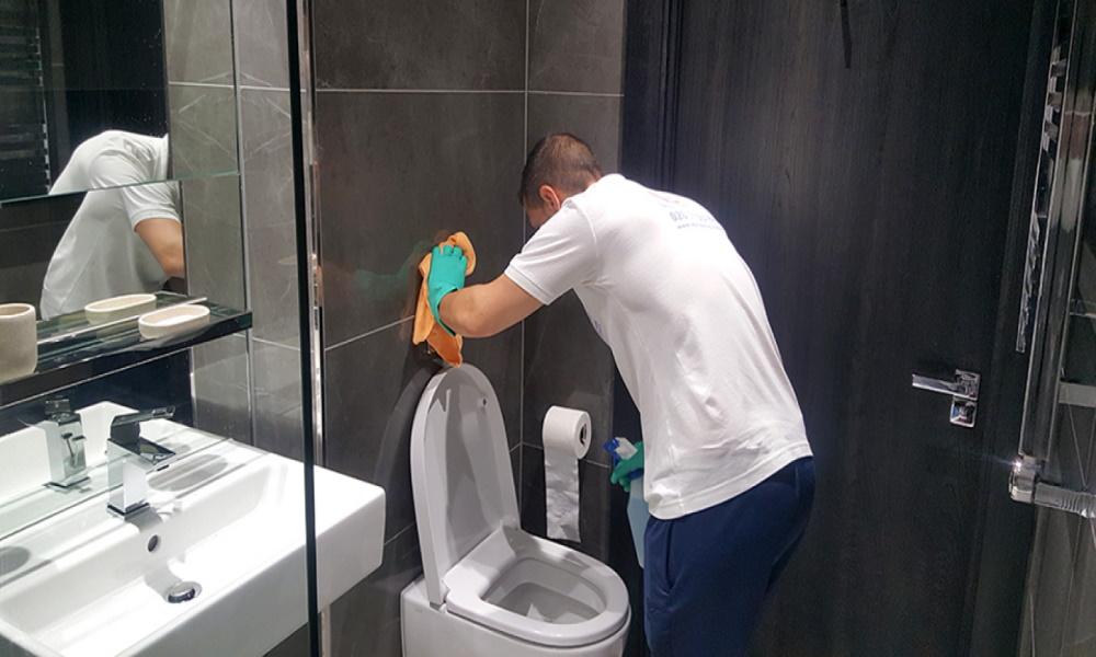 تمیز کردن سرویس بهداشتی و آلودگی هوا