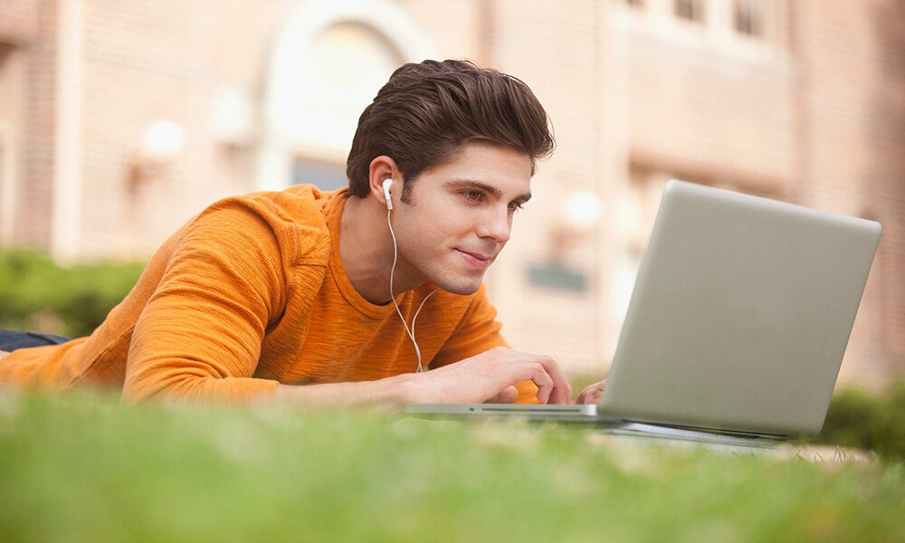 معرفی بهترین لپ تاپ های دانشجویی ۲۰۲۱