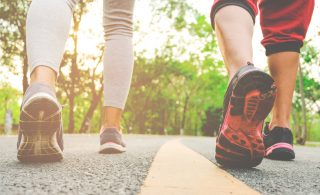 ۱۰ اپلیکیشن برتر دویدن و پیاده روی برای لاغری